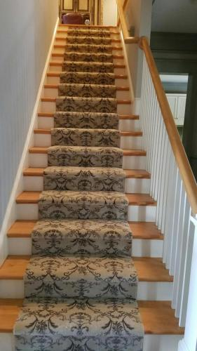Pattern carpet steps NICE INSTALL4